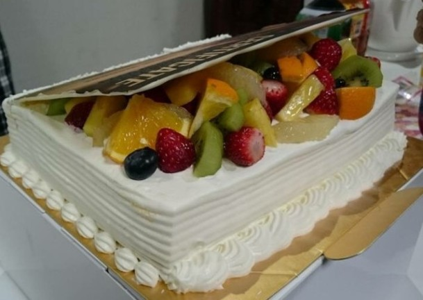 ケーキ後ろ姿