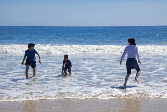 海で遊んだり